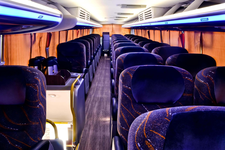 Ônibus 2018 - Foto 1